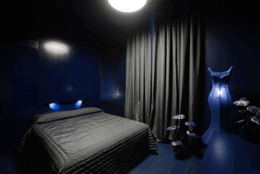 blue-rooms_maison_moschino