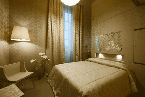 wallpaper_maison_moschino2